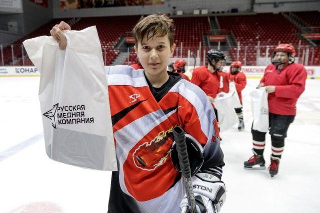 Юные хоккеисты остались в восторге от встречи с мастерами ХК «Трактор» и надеются, что ещё не раз смогут выйти на лёд вместе с профессионалами.