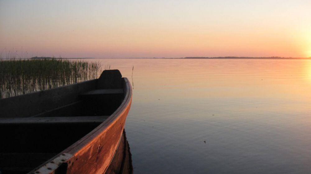 Поселок Шацк стал известен, поскольку именно здесь находится самое большое озеро Украины карстового происхождения Свитязь