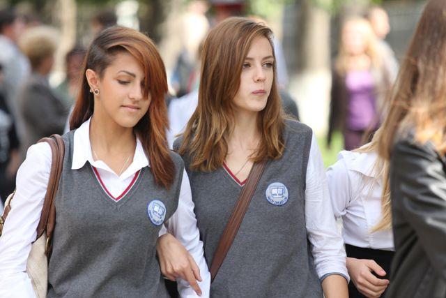 Молодежь Югры проявляет интерес к обсуждениям и решению проблем.