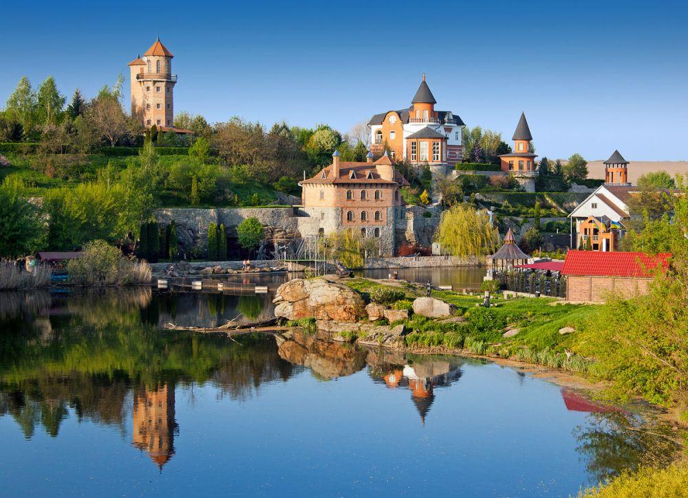 Село Буки, Киевской области манит туристов своим Ландшафтным парком