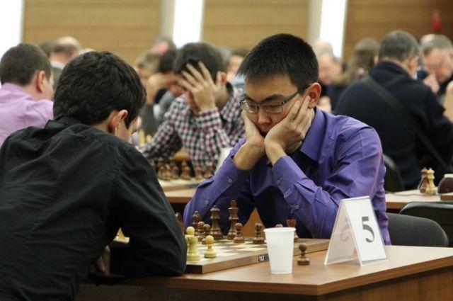 Турнир в Югорской шахматной академии.