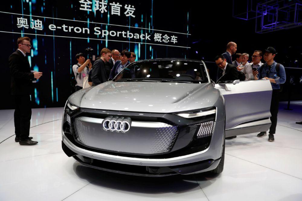 Концепт-кар Audi e-tron Sportback.