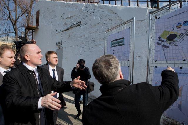 Борис Дубровский ознакомился с проектом строительства нового физкультурно-оздоровительного комплекса в Озёрске.