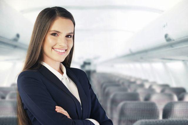 Опрос: «старые, тучные истрашные» стюардессы— угроза для пассажиров