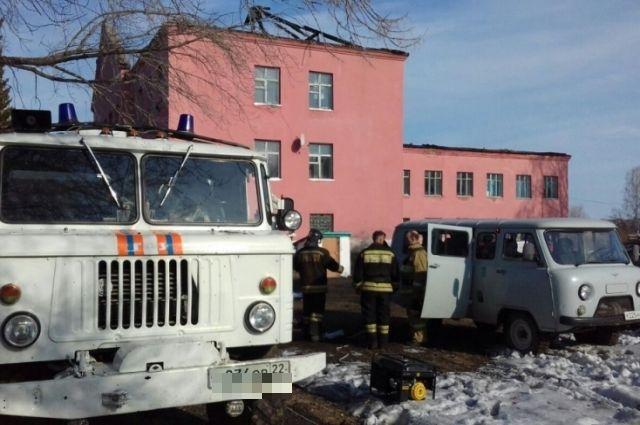 Школа в Залесовском районе после пожара