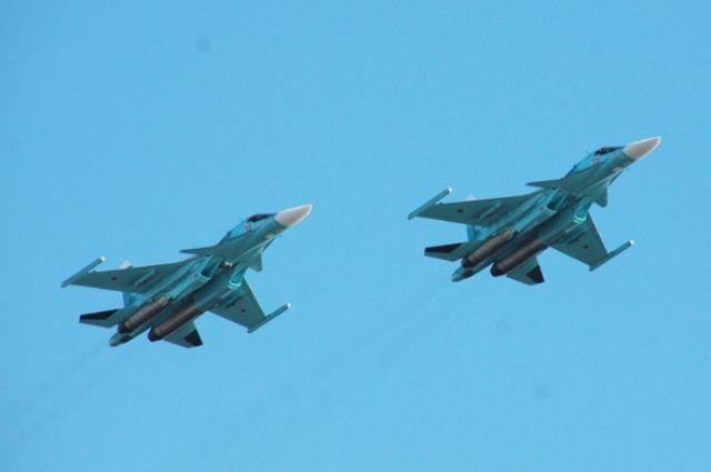 Обычно в показательных полетах участвуют два истребителя МиГ-31Б и четыре вертолета Ми-8.