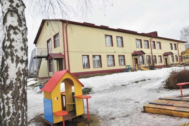 Детсад № 4 в Куеде капитально отремонтировали при поддержке нефтяников.