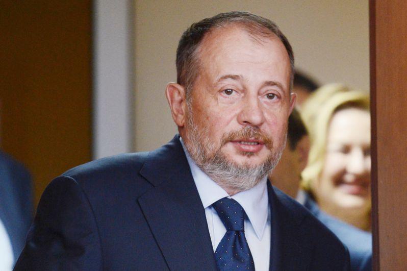 Владелец Новолипецкого металлургического комбината Владимир Лисин стал третьим в списке, его состояние выросло с $9,3 млрд до $16,1 млрд.