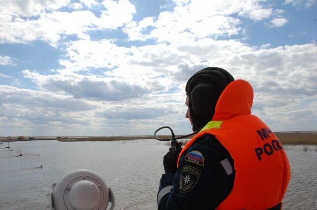 На малых реках дежурят оперативные группы