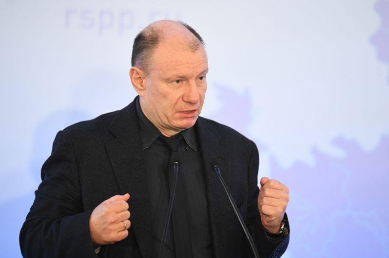Президент-председатель правления компании «Норильский никель» Владимир Потанин, чье состояние выросло до $14,3 млрд, занял восьмое место.