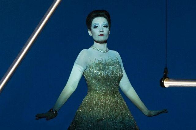 «Маску» за лучшую женскую роль в номинации «Опера»  вручили  Надежде Павловой. Она блестяще исполнила партию Виолетты Валери в «Травиате».