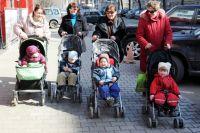 Закон поддерживает только молодых мам с 19 до 24 лет