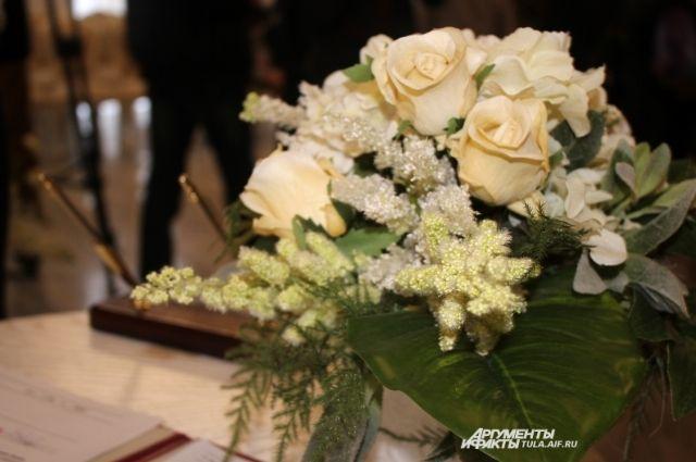 Практически 700 пар поженятся напасхальной неделе вНижегородской области
