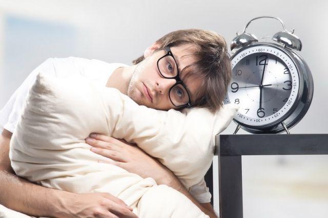 Большое количество алкоголя также может повлиять на ваш график и качество сна