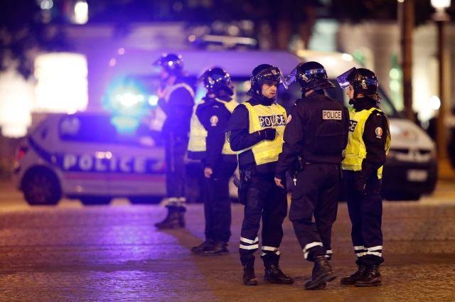 Нападавший вёл прицельный огонь пополицейским— МВД Франции