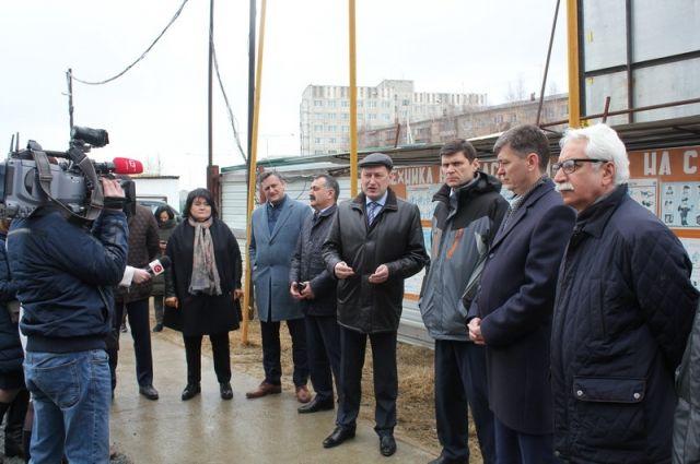 Депутаты окружной думы фракции «Единая Россия» на выездном совещании.
