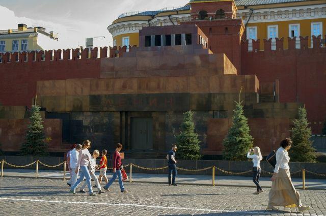 Зюганов назвал проект закона о погребении Ленина провокацией