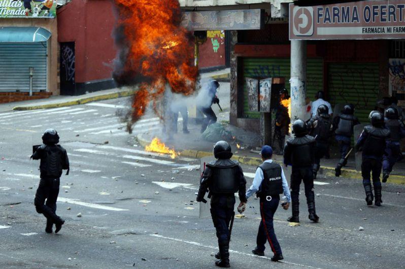 Источники приводят разные данные о количестве задержанных в ходе протестных акций.