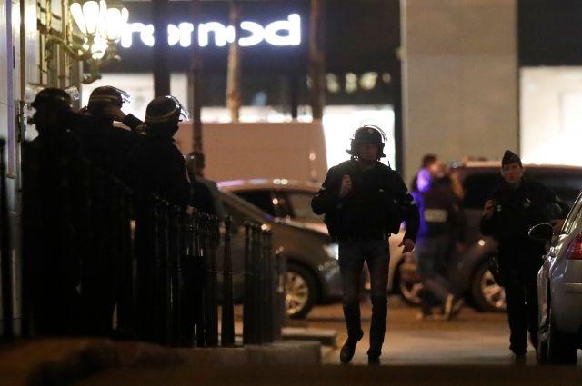 Полиция задержала родных подозреваемого в теракте в Париже