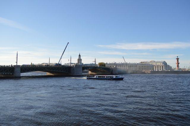 Полтавченко попросил руководителя Минтранса незакрывать акваторию Невы для Кубка конфедераций