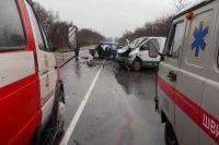 В Запорожской области в результате столкновения ВАЗа с минивэном погибли три человека