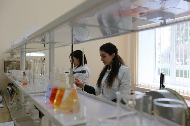 Русские ученые создали полимеры, способные заменить металл