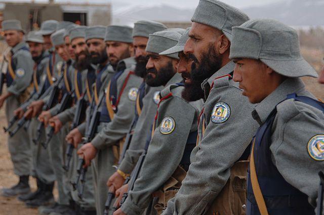 В результате атаки талиб в Афганистане погибли 140 военных
