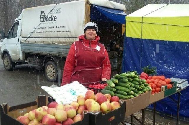 На ярмарке выходного дня пензенцы могут приобрести товары местных производителей.