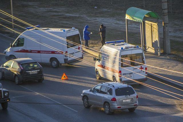 По словам пользователей социальных сетей, в результате ДТП погибло двое человек.