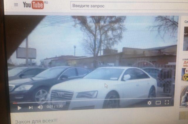Тонировку на фешенебельных авто гостей КЭФ инспекторы ГИБДД поставили в пример красноярским автовладельцам.