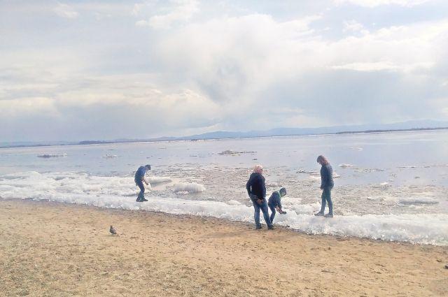 Жителей края просят не выходить на лед.