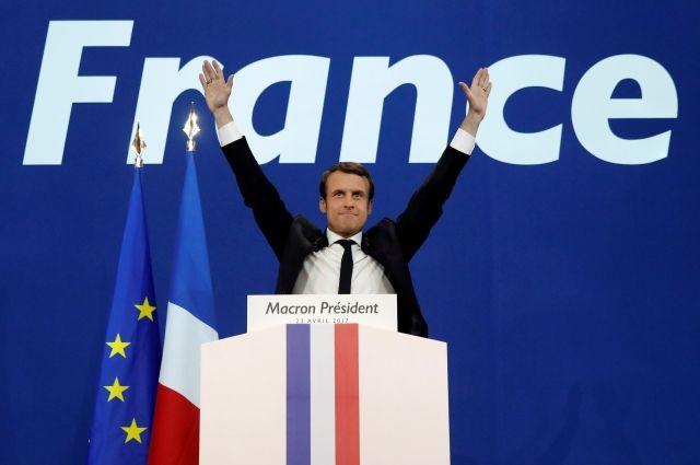 Макрон опередил Ле Пен более чем на 2% после подсчета 97% голосов