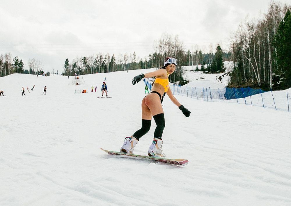 Падать в снег не больно.