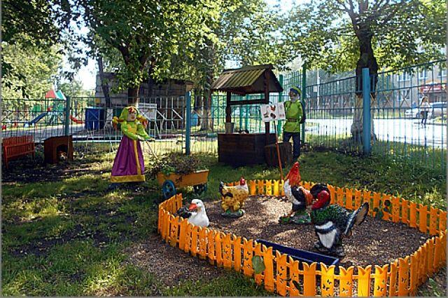 Такая сказочная полянка появилась на территории детского сада № 206.