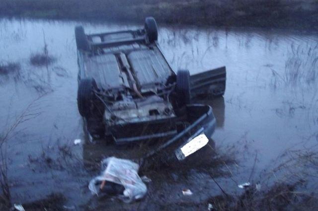 На трассе Оренбург-Акбулак  в ДТП с «ВАЗом» пострадал водитель