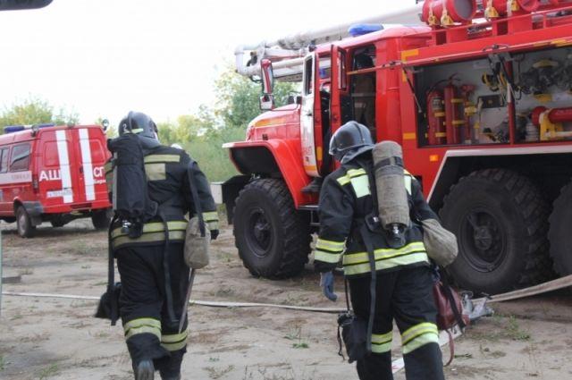 Автовоз с 2-мя  машинами сгорел вДзержинске