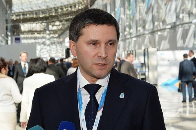 Дмитрий Кобылкин уверен, что развитие ямальской инфраструктуры будет экономически выгодно для всех регионов.