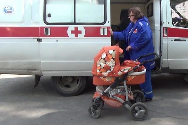 В Калининграде «Рено» придавил коляску с двухлетним ребенком.