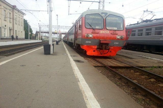 Изменения в график движения пригородных поездов вносятся в связи с предстоящими праздничными днями.