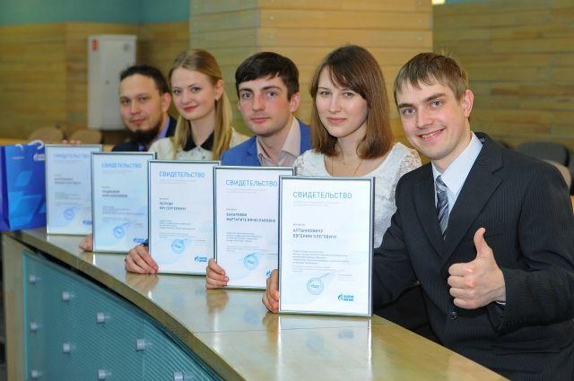 На ОНПЗ трудоустраивают выпускников омских вузов.