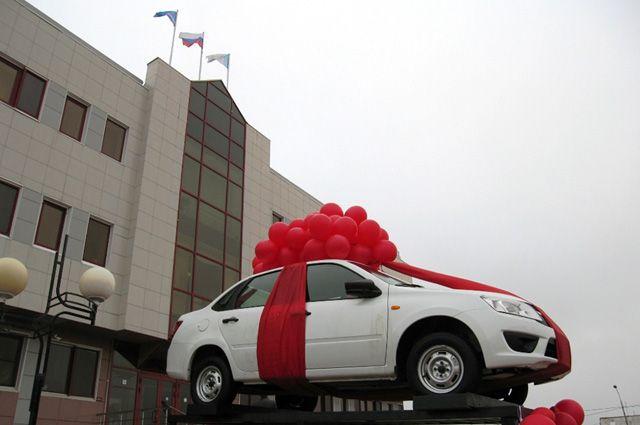 Радость от выигрыша автомобиля жителю Муравленко испортили аферисты.