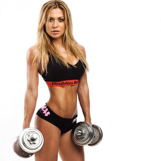 Особое место в современном мире занимают и девушки фитнес-бикини