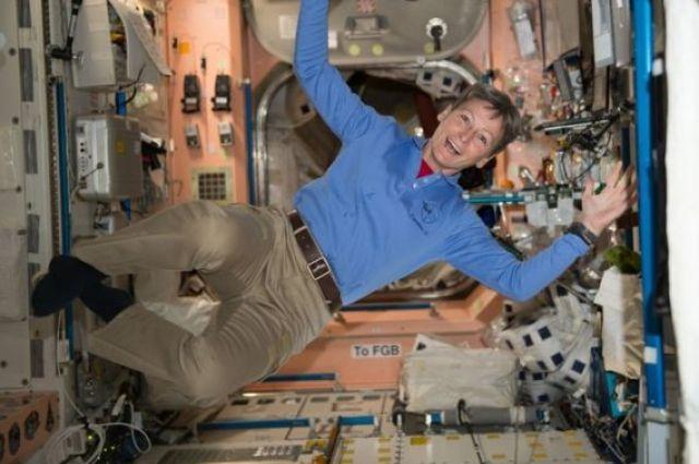 Пегги Уитсон побила рекорд пребывания в космосе