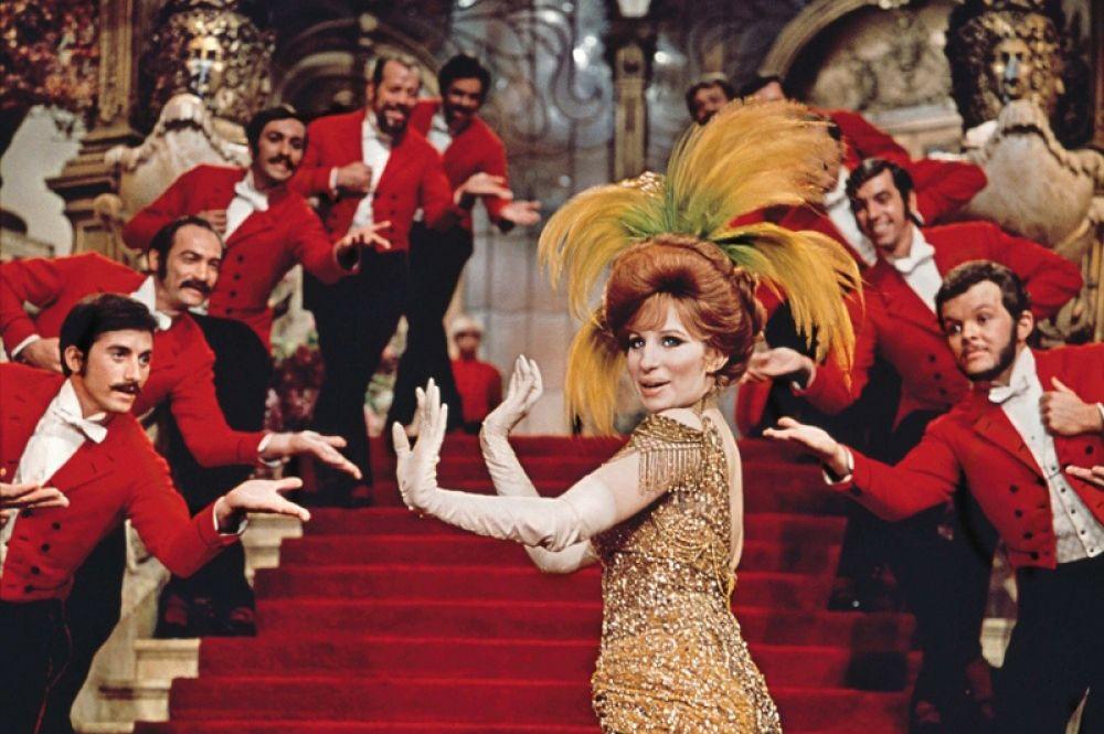 Стрейзанд в фильме «Хелло, Долли!» (1969).