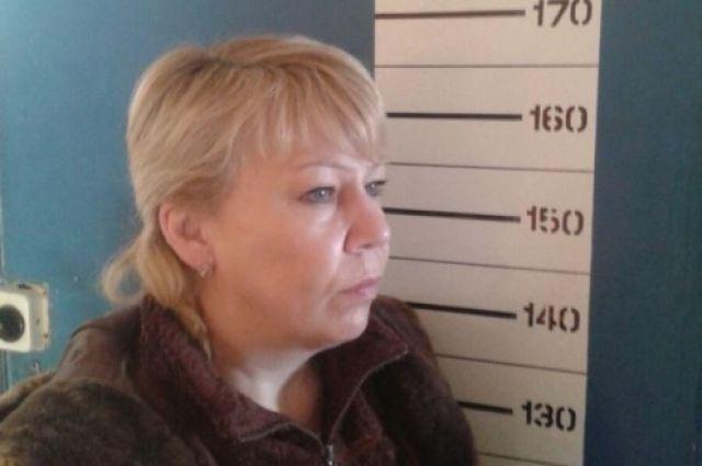 Одна из задержанных по подозрению в серии мошенничеств.