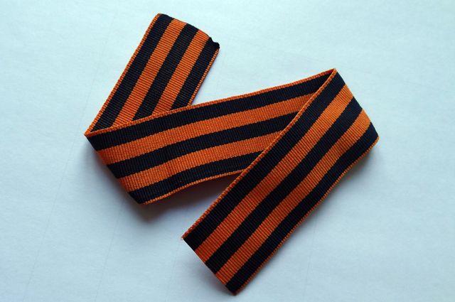 Вчесть Дня Победы Петербург три раза облетит внушительная георгиевская лента