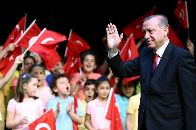 Эрдоган может вновь стать председателем правящей партии на съезде