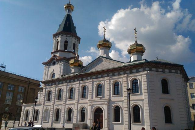 Медведеву показали восстановленный к юбилею города собор.