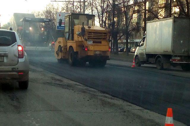 ВЯрославле проводят ямочный ремонт центральных улиц
