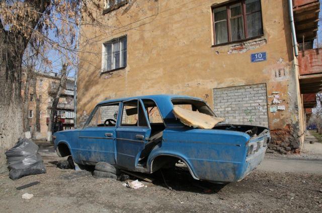 Народные избранники Челябинска утвердили условия эвакуации брошенных авто